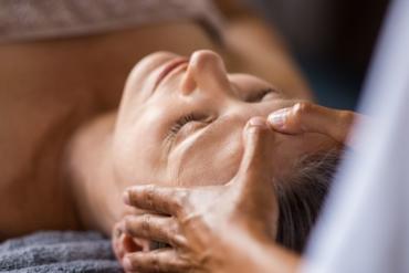 FaceMyo + galvos masažas